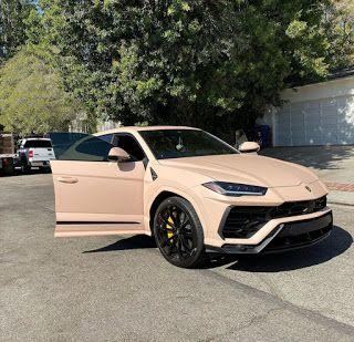 Check out the Sick Paint Job on Justin Bieber's Lamborghini Urus! Luxury Sports Cars, Top Luxury Cars, Sport Cars, My Dream Car, Dream Cars, Lux Cars, Pretty Cars, Lamborghini Cars, Car Goals