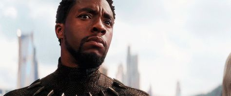 BLACK PANTHER: A King Will Rise In This Exhilarating New Christmas Day TV Spot