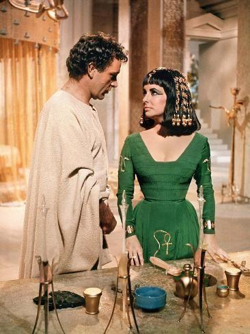 Cleopatra 1963 Directed By Joseph L Mankiewicz Richard Burton And Elizabeth Taylor Photo Photo Art Com In 2021 Elizabeth Taylor Cleopatra Cleopatra Elizabeth Taylor