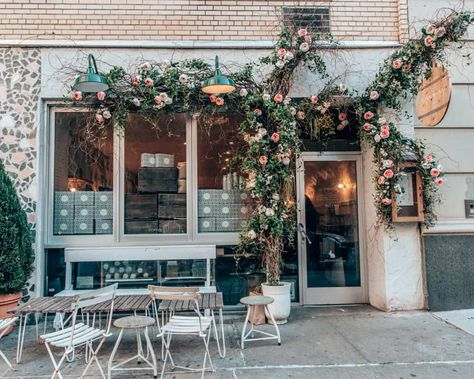 Check this list, then grab a seat at one of the Cutest Cafes in NYC. A list of cafes and coffee shops in New York to satisfy your caffeine craving. French Coffee Shop, Vintage Coffee Shops, Cute Coffee Shop, Small Coffee Shop, Coffee Shop Design, Paris Coffee Shop, Bar Restaurant Design, Modern Restaurant, Restaurant Restaurant