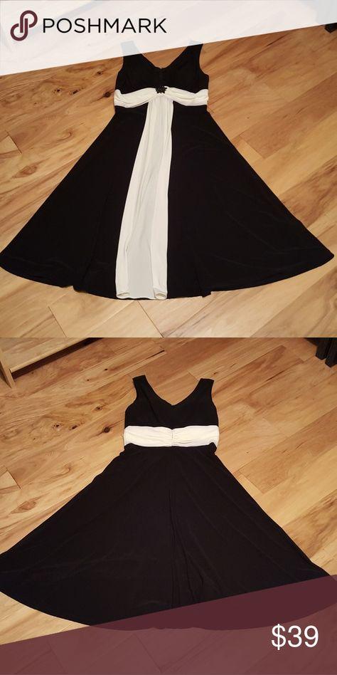 ea60b694014e Spotted while shopping on Poshmark: Black/White Holiday Dress! #poshmark # fashion #shopping #style #Dress Barn #Dresses & Skirts