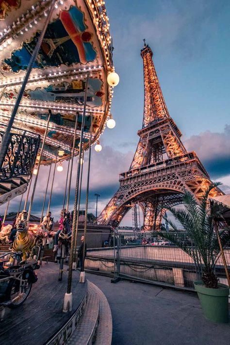 4 days in Paris - Eiffel Tower at night
