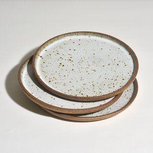 Dinner Plate Bd Pottery In 2020 Dinner Plates Ceramic Serving Trays Ceramic Dinnerware Set
