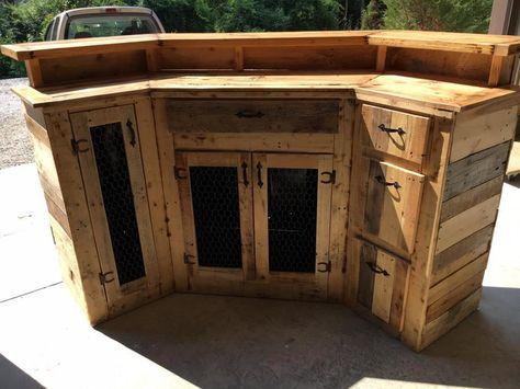 Custom Made Wood Pallet Bar | 101 Pallet Ideas