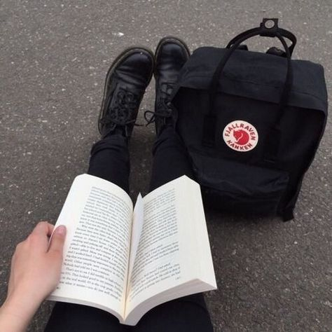 Books and kanken