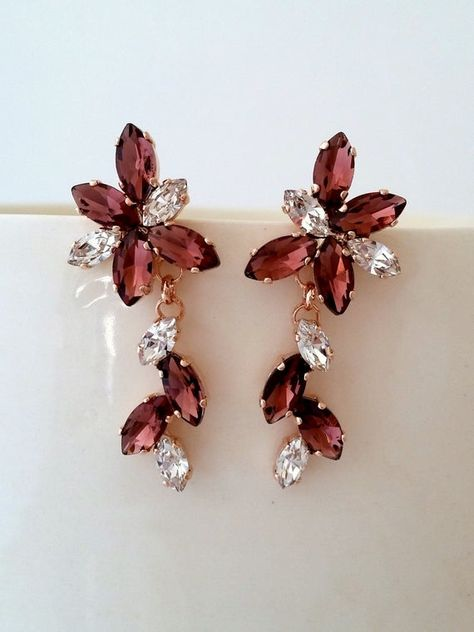 #weddings #jewelry #earrings #bridalearrings #chandelierearrings #swarovskiearrings #bridesmaidsgift #statementearrings #dangleearrings #burgundyearrings #burgundychandelier #burgundywedding #burgundydropearrin #burgundyearring #burgundy