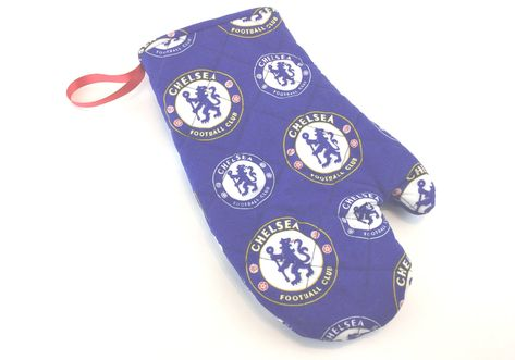 Chelsea Football, Oven Mitt, Football Club, London Football, Quilted Oven Mitt, Chelsea Lion, Ampadu, Reece James, Kitchen Gift, Tailgating