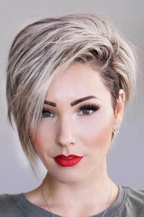 17 More Fresh Layered Short Hairstyles For Round Faces Shorthairstyles Long Face Hairstyles Thick Hair Styles Hair Styles