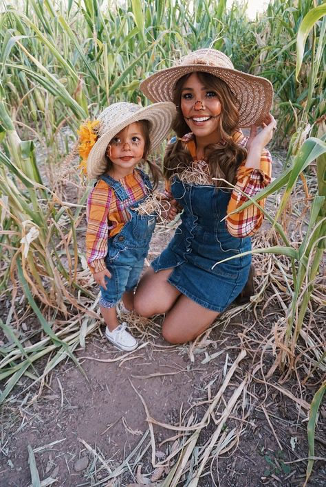 Toddler Scarecrow Costume, Halloween Costumes Scarecrow, Pregnant Halloween Costumes, Toddler Girl Halloween, Scary Costumes, Halloween Costume Contest, Costume Ideas, Diy Scarecrow, Diy Costumes