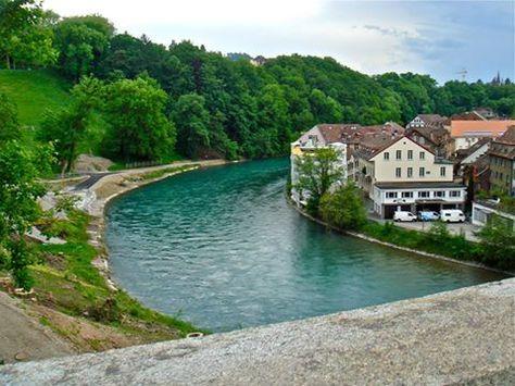سحر الطبيعة يعانق مدينة برن السويسرية مسائكم سكر House Styles Mansions Outdoor