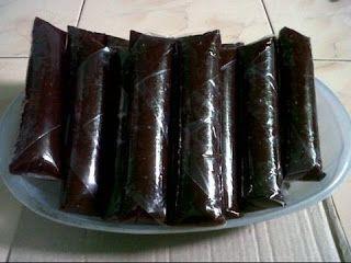 Cara Membuat Dodol Ketan Hitam Yang Enak 1 Didihkan Santan Kental Gula Merah Daun Pandan Serta Garam Lalu Angkat Daun Pandan 2 Makanan Resep Makanan Enak