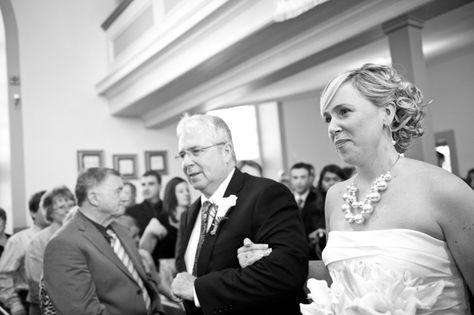 A Chic Turquoise Wedding: Burlap, Pinwheels  Pearls » Favdig