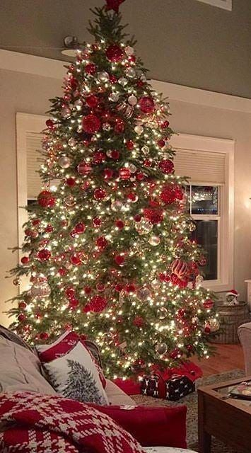 54 New Christmas Tree Decoration Ideas To Bring Holiday Cheer Page 8 Of 54 Ladiesways Com Women Hairstyles Blog Christmas Tree Decorations Christmas Tree Tree Decorations
