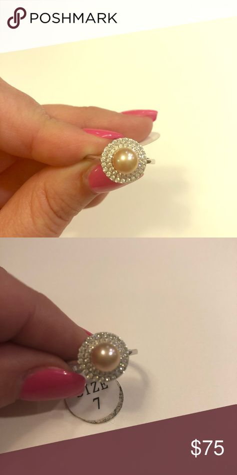 """56fbd2527a264 Vantel Pearls """"Made Ya Look"""" ring size 7 Vantel Pearls """"Made Ya Look"""" ring  size 7 with a pink pearl Jewelry Rings"""