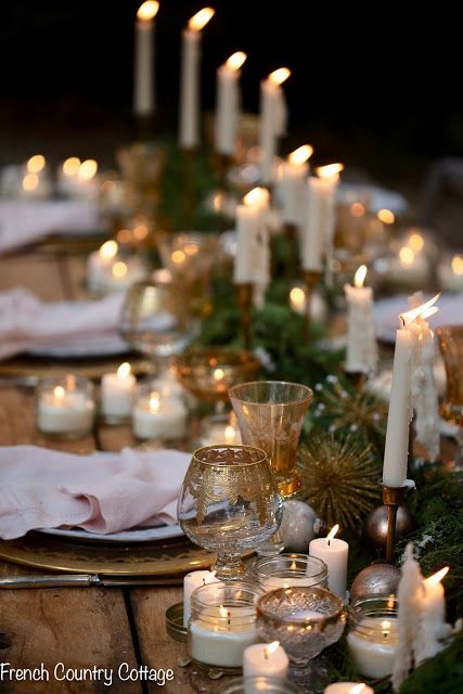 Christmas Ambiance A Table Under The Stars Christmas Tablescapes Christmas Lights Christmas Table Settings