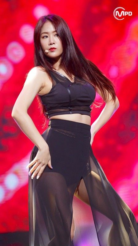 Hotties Alert The Sexiest Female Idols Kpoplocks Hd Profile And Facts In 2021 Kpop Girls Female Dancers Female