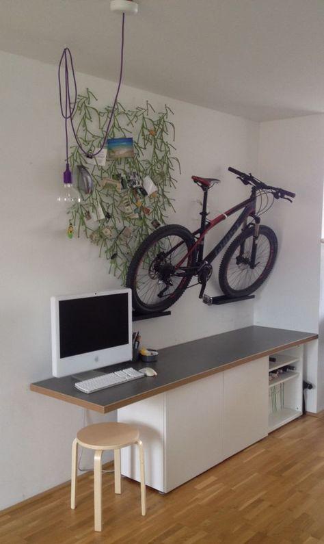 Als Fahrradhalter: Richtig Cool Finden Wir Diese Idee Für Alle  Fahrraddiebstahl Geplagten Städter Mit Mini Wohnung: Stellt Euer Rad  Einfach An Die Wand ...