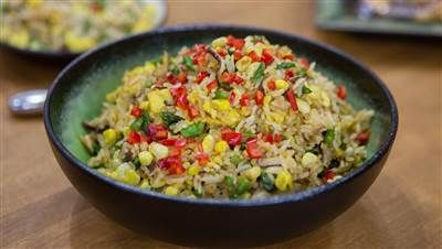 Fried Rice Gets A Fresh Makeover With A Variety Of Vegetables Mushroom Fried Rice Making Fried Rice Fried Rice Recipe Easy