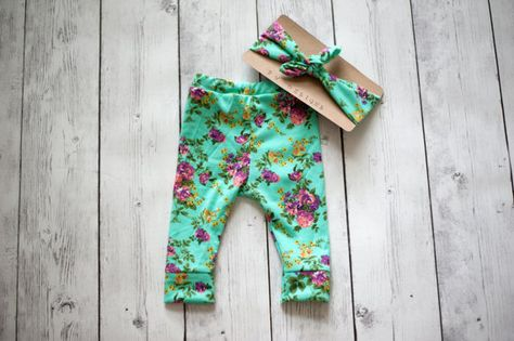 Hey, I found this really awesome Etsy listing at https://www.etsy.com/listing/236693155/mint-gray-or-white-floral-leggings-and