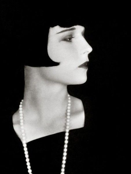 Louise Brooks - The Most Iconic Vintage Short Hairstyles - Photos