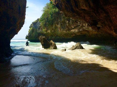Blue point Beach, Bali, Kuta, Indonesia — by Ryan. D. The way to the hidden beach.