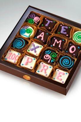 Son 16 bombobes rellenos de butterscoth, toffee o café (35 gr. c/u): ideales para expresar tu amor con un toque dulce y a la misma vez delicioso.