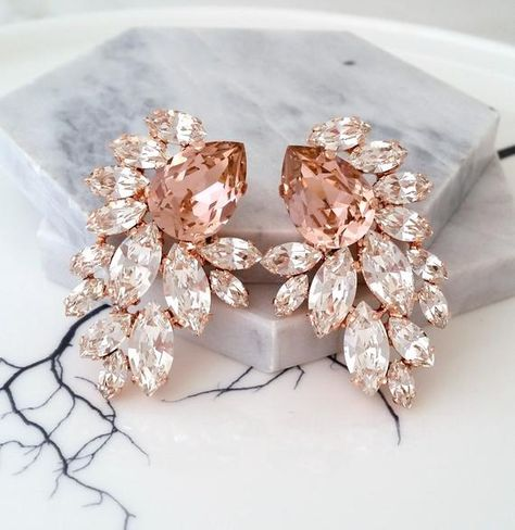 #weddings #jewelry #earrings #bridalearrings #extralargeearrings #chandelierearrings #crystalearrings #swarovskiearrings #blushpinkearrings #clusterearring #blushlargestuds #bridesmaidsgift #blushcrystal #weddingjewelry #blushwedding