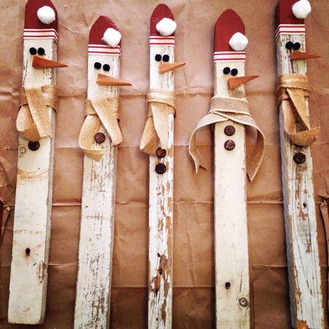 Picket Snowmen by 2BirdsVintage on Etsy https://www.etsy.com/listing/210516137/picket-snowmen