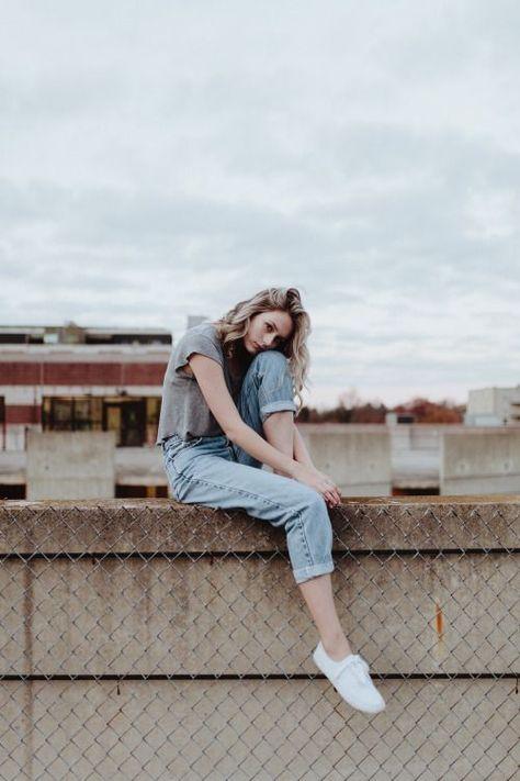 10 Nuevas poses que necesitas para salir sentada en tus fotos
