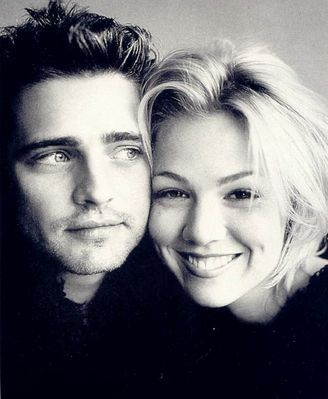 Brandon and Kelly..I love anything and everything Beverly Hills 90210~