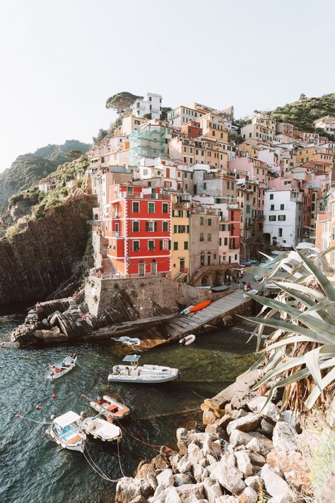 A Complete Guide To Cinque Terre, Italy. From my recent visit, I've been able to put together a complete guide covering everything you need to know about visiting Cinque Terre, from the best places to eat to the best sights to see. Cinque Terre Italia, Places To Travel, Places To Visit, Travel Destinations, Visit Italy, Northern Italy, Travel Aesthetic, Adventure Is Out There, Italy Travel