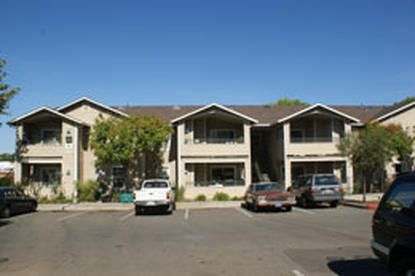 Image Of Auburn Court Apartments Low Income Apartments Affordable Apartments Apartment