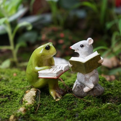 A set Miniature Small Frog and Mouse Reading Book , Animal Figurines Fairy Garden Supplies Terrarium Accessories DIY Miniature Garden Small Frog, Terrarium, Fairy Garden Supplies, Gardening Supplies, Animal Books, Cute Frogs, Beautiful Fairies, Frog And Toad, Unique Necklaces