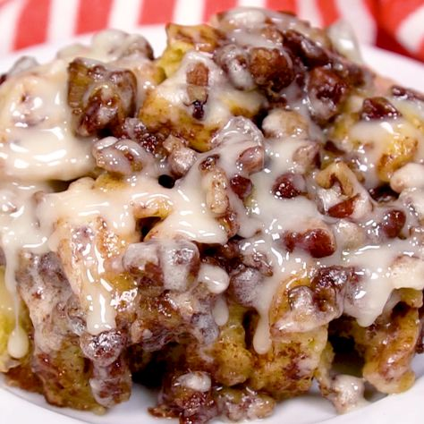 Say hello to Crock Pot Cinnamon Roll Casserole. AKA the most delicious way to eat cinnamon rolls ever. It only takes mintues to prep and cooks up crispy around the edges and gooey in the