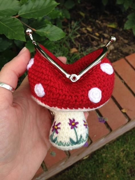 Toadstool Coin Purse Crochet Pattern by LauLovesCrochet on Etsy - Sale! Shot at Stylizio for womens and mens designer handbags luxury sunglasses watches jewelry purses wallets clothes underwear Coin Purse Pattern, Crochet Coin Purse, Purse Patterns, Crochet Patterns, Crochet Change Purse, Crochet Earrings, Cute Crochet, Crochet Crafts, Crochet Projects
