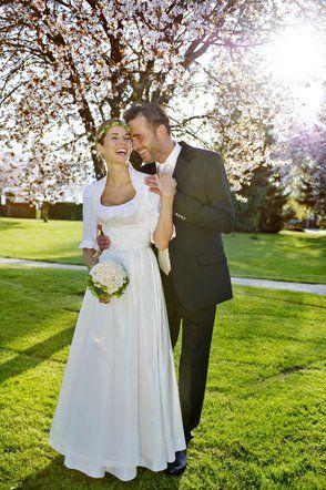 Tostmann Trachten: Hochzeitsdirndl