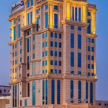 حجز في فندق راديسون بلو بلازا جدة طريق الملك عبدالله النسيم جد ة المملكة العربية السعودية يوفر راديسون بلو بلازا جدة أجواء إقامة ها Jeddah Hotel Plaza Hotel