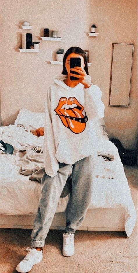 Cute Lazy Outfits, Casual School Outfits, Chill Outfits, Teenage Outfits, Teen Fashion Outfits, Retro Outfits, Boho Outfits, Outfits For Teens, Trendy Outfits