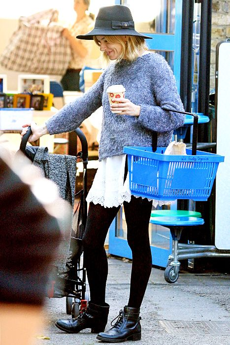 Sienna Miller visits the local farmers market on October 6, 2015.