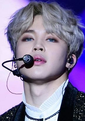 These Male K Pop Idols Aren T Afraid To Rock A Little Extra Blush Eye Shadow Or Lipstick And We Are Living For Their Bts Makeup Pop Makeup Korean Eye Makeup