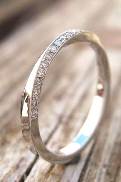 Rose Gold And Diamonds Mobius Boho Wedding Or Alternative Engagement Ring This Is One Of My M Diamond Wedding Bands Titanium Wedding Rings Modern Wedding Band
