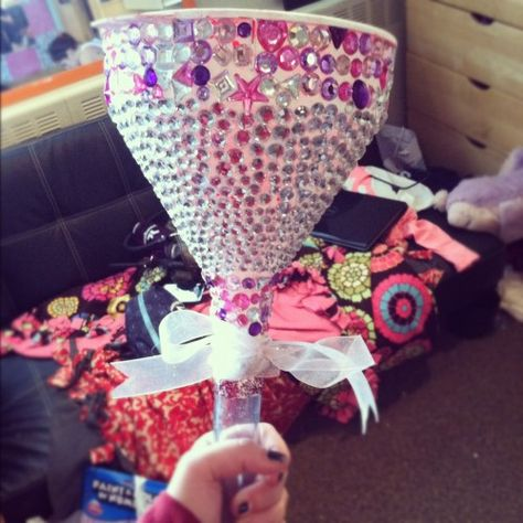 Too cute--Nicole, start making for your bachelorette!