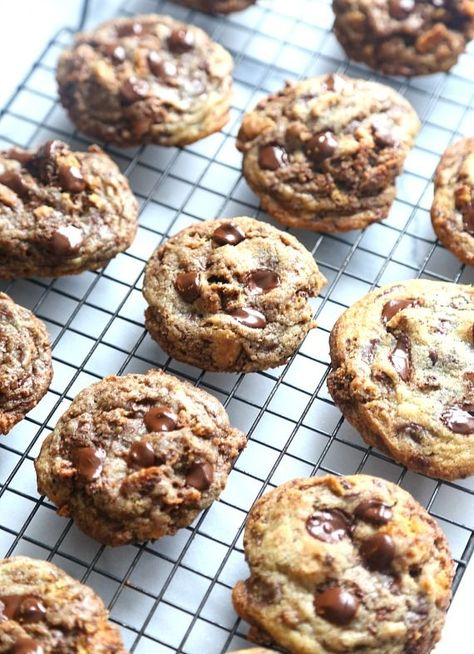 Crispy Bits Chocolate Chip Cookies...There's a CRAZY secret ingredient in these that makes them perfect for Crispy AND Soft cookie lovers!!