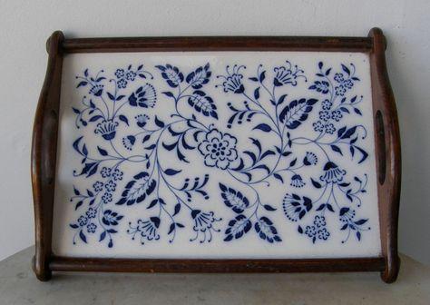 Meissen Dresser Tray Wood Frame Side Handles Blue White Flower And Leaf Pattern K Geschutzt Registered Depose Germany Dresser Tray Vintage Trays Wood Frame