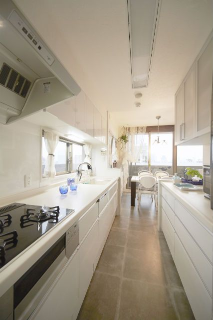 施工事例 キッチン 間仕切壁を造作して お料理に集中できる独立型キッチン キッチン間取り キッチン キッチン おしゃれ