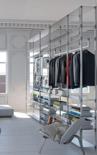 Das Track Regalsystem Bietet Vielfaltige Nutzungsmoglichkeiten Kleiderschrank Regalsystem Regal Ankleide Regalsystem Regalsysteme Grundrisse Kleiner Hauser