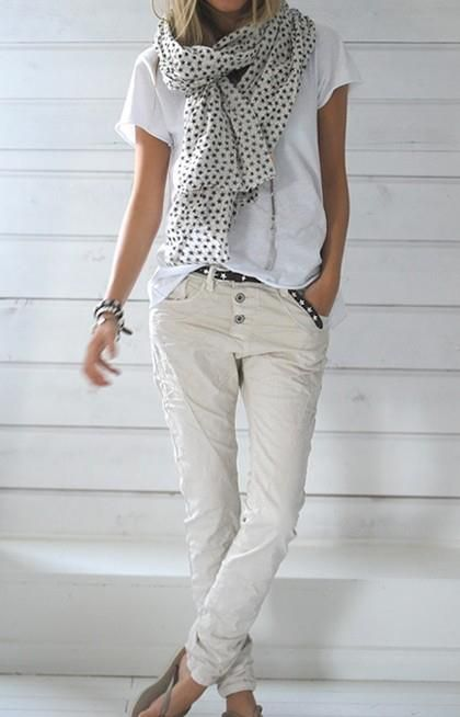 slouchy all white outfit!