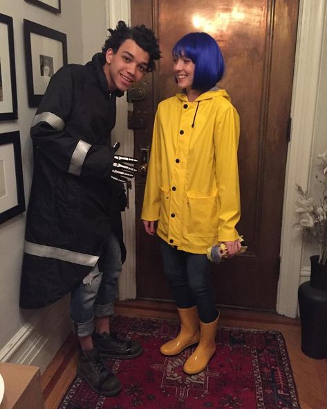 Hallowen Costume Couples Coraline Jones and Wybie Lovat<< i got really excited for a second because i thought wybie was anthony ramos dressed as wybie<<Oooh wybie is cute