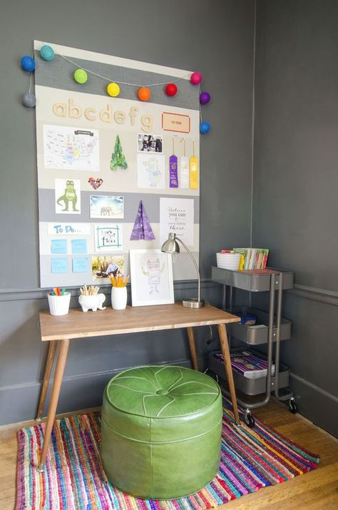 Make it: diy small homework station home: organizing magic д Kids Homework Station, Homework Center, Computer Station, Kids Homework Room, Kids Desk Organization, Home Command Center, Command Centers, Kids Play Spaces, Small Spaces