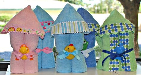 Great hooded towel tutorial. Similar to how I've made them, I think the way they're folded up make them even more adorable! A great gift idea :)